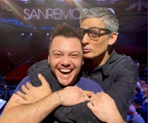 """Sanremo 2020, Fiorello e Tiziano Ferro fanno la pace: stasera il duetto con """"Finalmente Tu"""""""