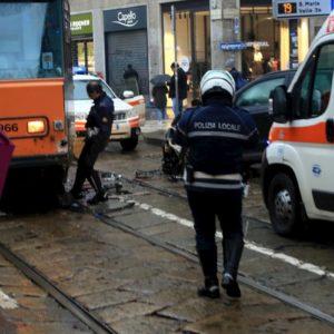 Milano, tram deraglia in via Coni Zugna: secondo incidente in poche ore