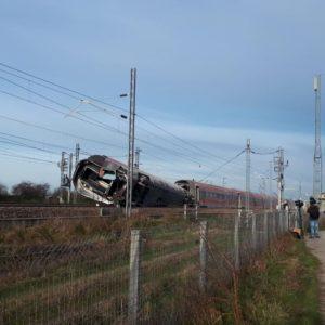 Treno deragliato a Livraga: cancellazioni e ritardi per alta velocità e regionali