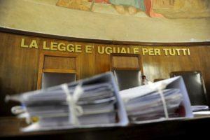 Pavia, abusi su una studentessa di 13 anni: condannato prof di scuole medie