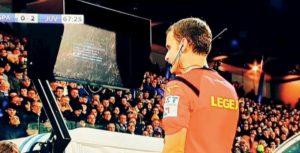 """Sarri: """"Rigore contro la Juventus con monitor VAR rotto. Cosa ci sta a fare l'arbitro in campo? Una ingiustizia..."""""""