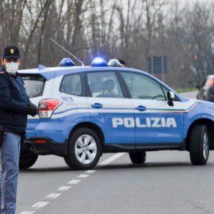 """Coronavirus, chiusa la """"zona rossa"""" nel Lodigiano: scattano i blocchi stradali, varchi presidiati dalle forze dell'ordine"""