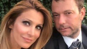 """GF Vip, Adriana Volpe esce dalla casa. Il marito lascia l'Italia con la figlia: """"Scappiamo dal coronavirus"""""""