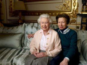 Salvò la principessa Anna da un rapimento, ex pugile mette all'asta medaglia per pagarsi il funerale
