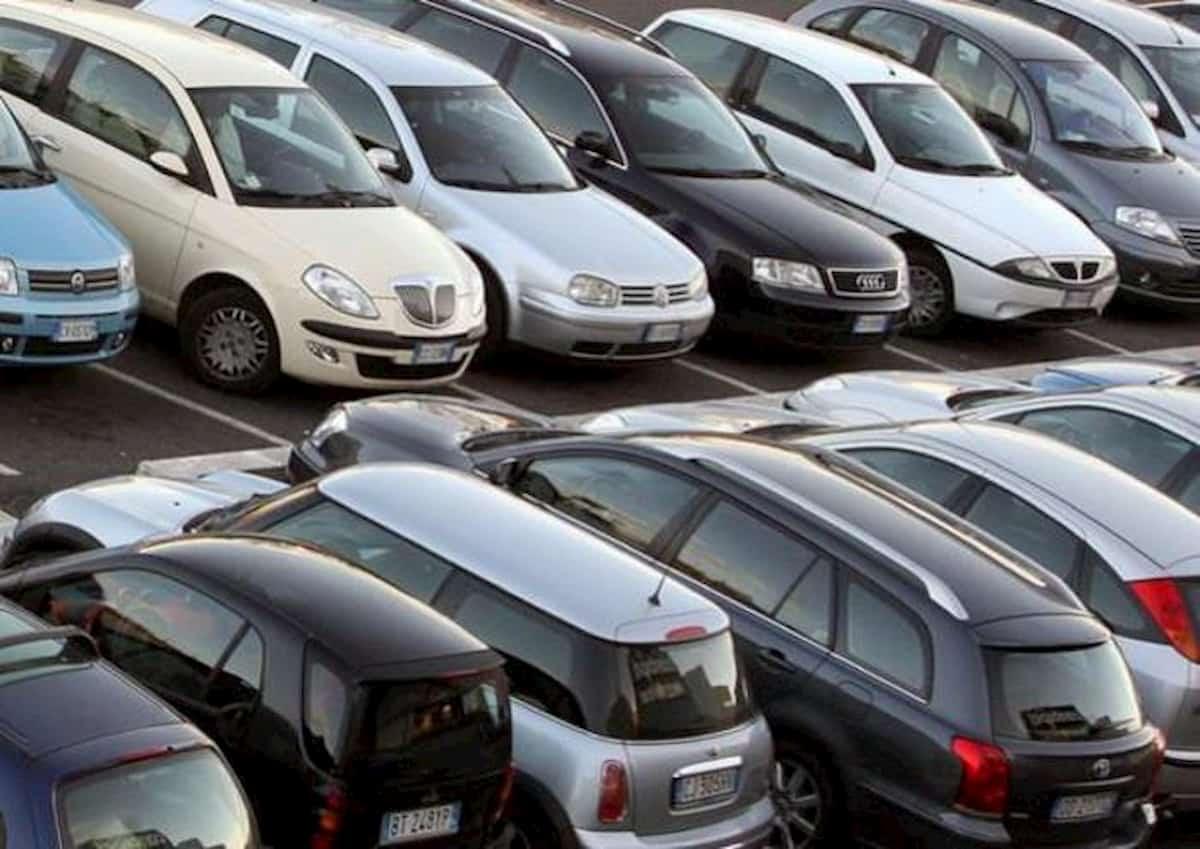 Quarantena e batteria auto: come mantenerla carica senza muoversi