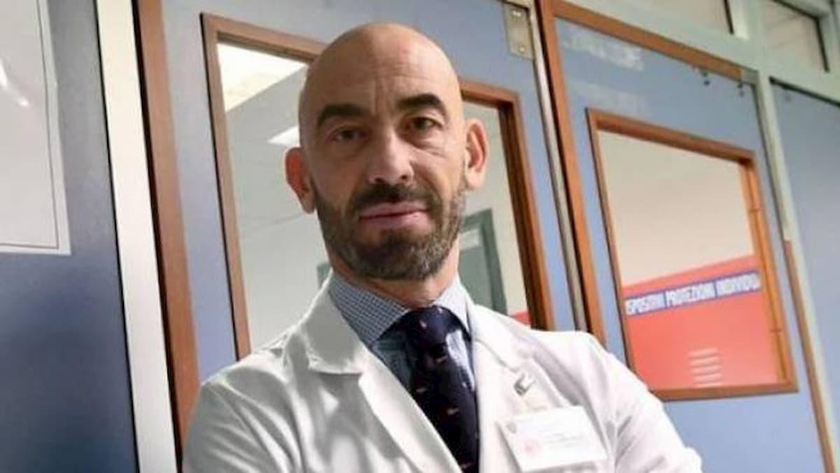 """Coronavirus, Matteo Bassetti: """"50mila contagi sono solo la puntina dell'iceberg"""""""