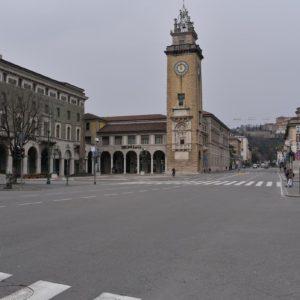 """Coronavirus, a Bergamo ospedale da campo allestito dagli Alpini. Gori: """"Posti finiti"""""""