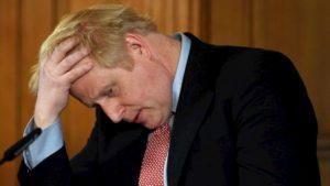 Boris Johnson metterà in quarantena gli over 70. Chiusi in casa per 4 mesi