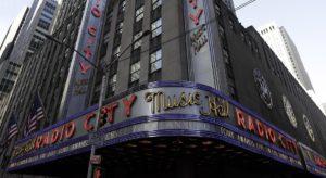 Coronavirus New York, chiudono musei e luci spente a Broadway