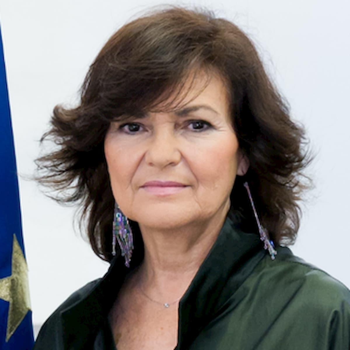 Coronavirus, in Spagna la vice premier Calvo ricoverata per crisi respiratoria: si attende l'esito del tampone
