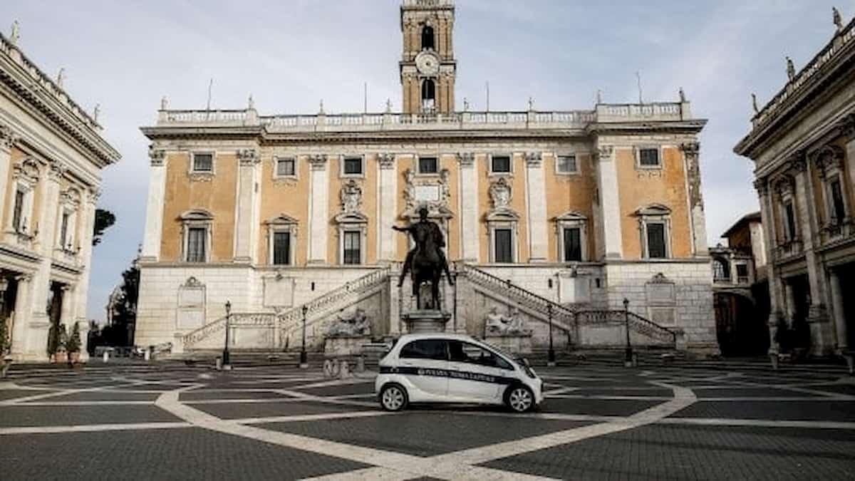 Recovery alla carbonara: dipendenti comunali Roma vogliono lavoro a casa e indennità sportello