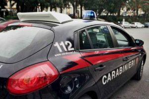 Cerignola, minacciano il parroco della cattedrale con la pistola e lo rapinano: 2 in fuga