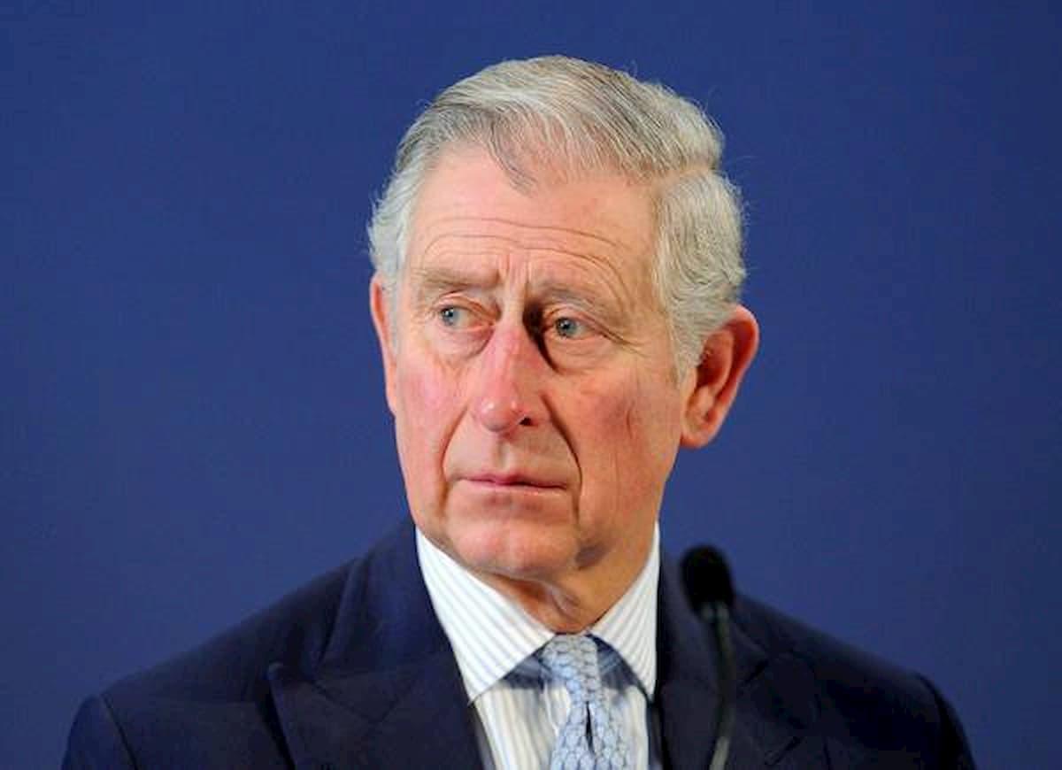 Principe Carlo positivo al Coronavirus: è in isolamento in Scozia