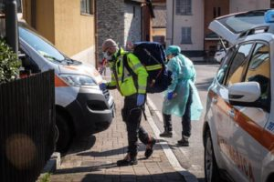 Coronavirus, il deputato FdI Edmondo Cirielli trasferito in ospedale
