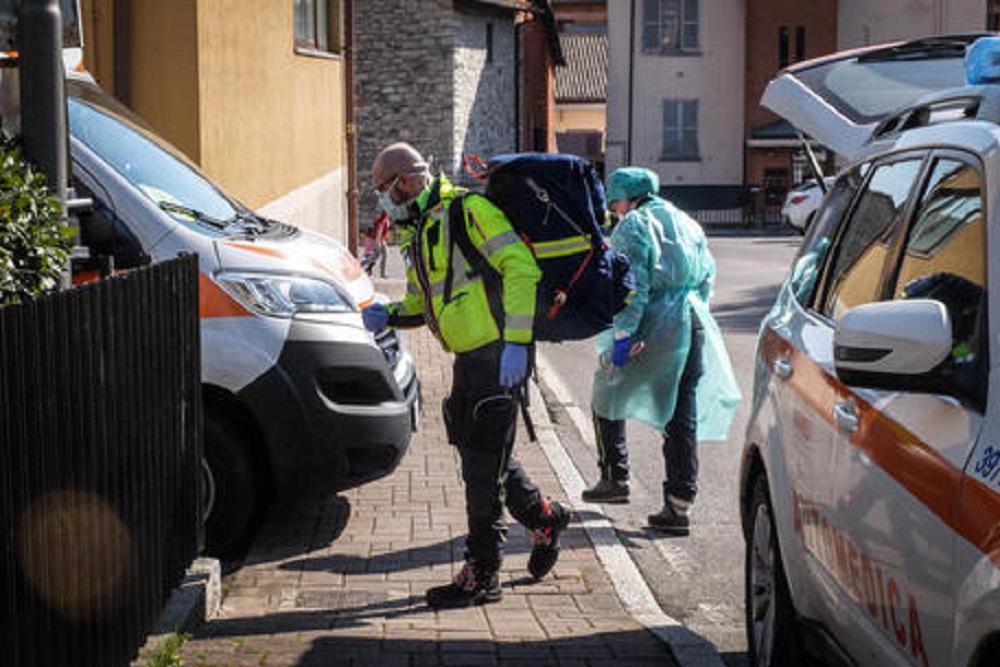 """Coronavirus, al Cardarelli di Napoli 249 medici si danno malati. Ricciardi: """"Vigliacchi"""""""