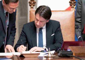 """Coronavirus, Lombardia e 14 province chiuse per decreto. Conte: """"Mi assumo la responsabilità"""""""