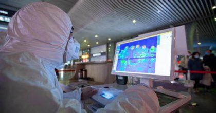 Coronavirus, donna positiva e in quarantena prende 2 aerei e va in Sicilia