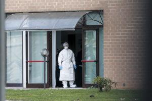 Coronavirus pazienti cinesi: studio Spallanzani gravi danni polmonari