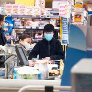 Coronavirus, nel Lazio negozi e supermercati aperti 8.30/19. La domenica chiusi alle 15