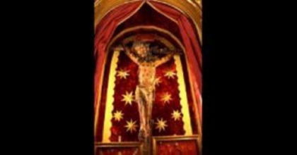 Coronavirus, Papa Francesco fa portare a San Pietro il Crocifisso miracoloso