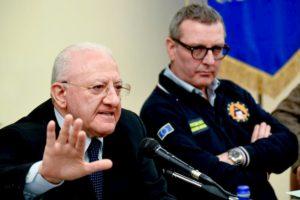 """De Luca: """"Bertolaso super commissario? In Campania servirebbe padre Pio..."""""""