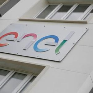 Enel stipula polizza per i propri dipendenti nel mondo in caso di ricovero per coronavirus