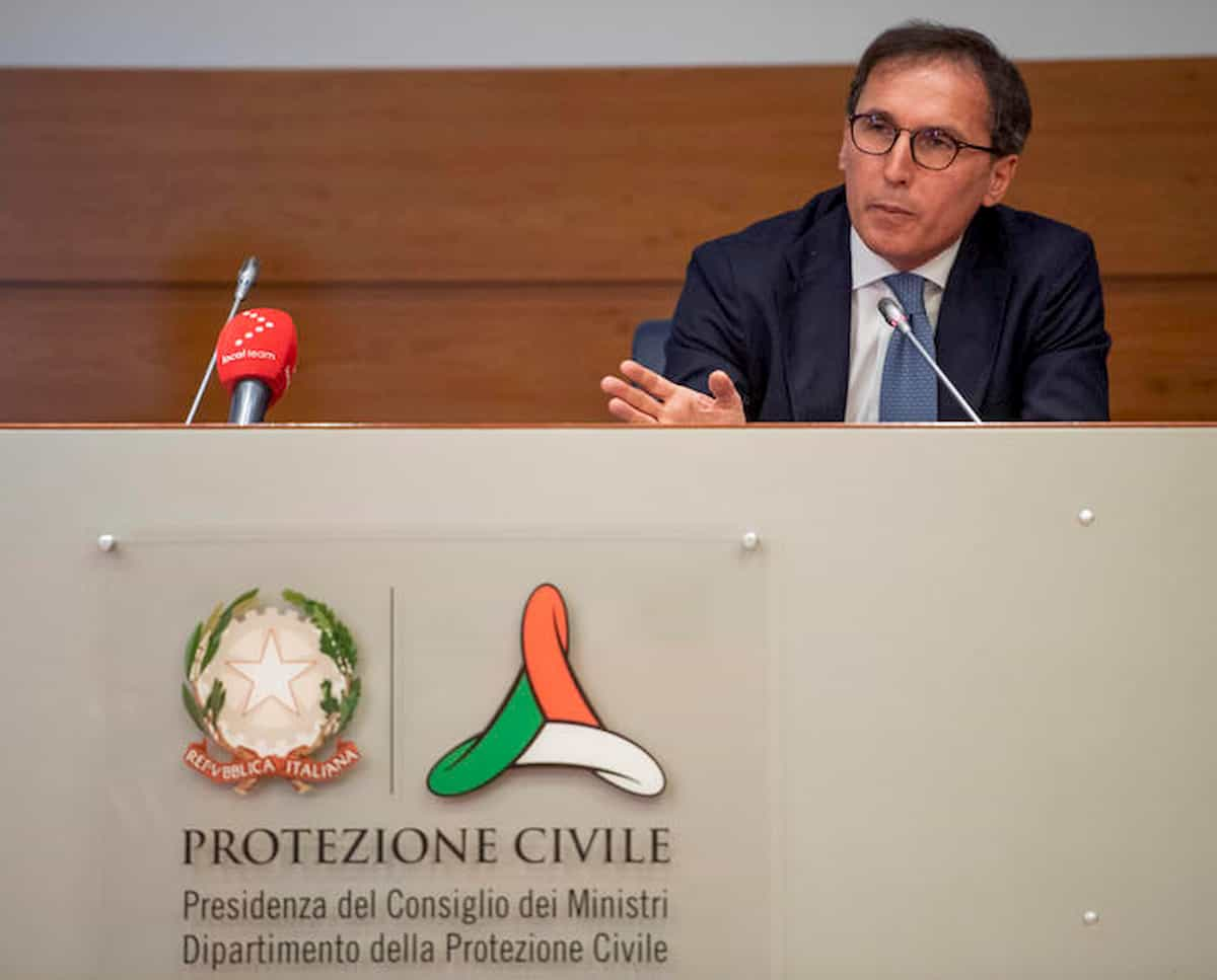 Coronavirus Italia: fallimento delle Regioni, modello di poteri da rivedere, Conte ce la farà?