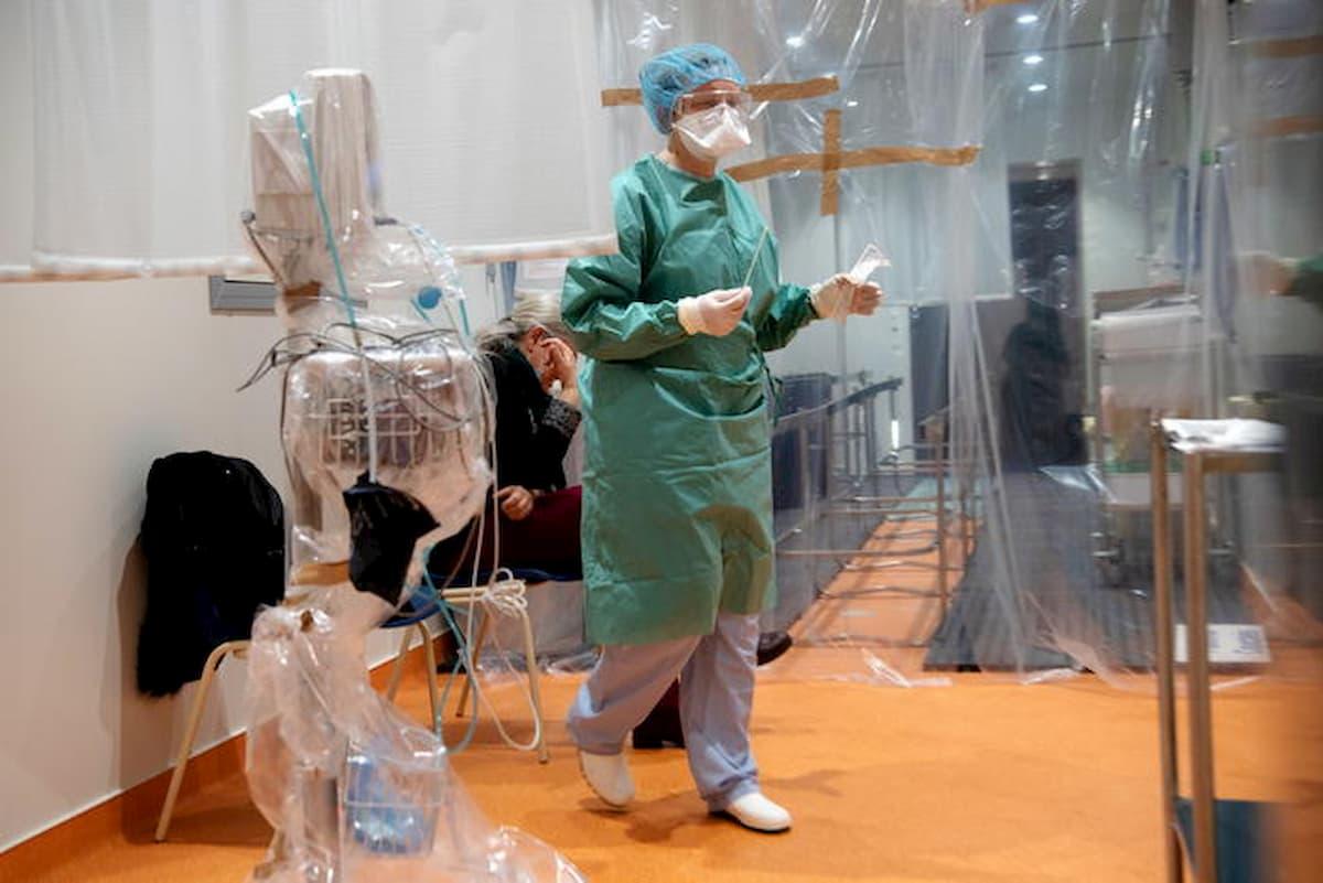 """Coronavirus, il calvario di una ragazza italiana a Parigi. La mamma: """"Malata e non curata"""""""