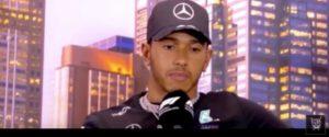 "Coronavirus, Hamilton furioso: ""Mondo si ferma, noi no. Formula 1 guidata dal dio denaro"""
