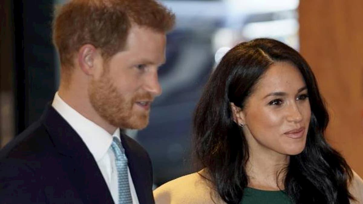 Meghan Markle ha proibito a Harry di tornare dal Principe Carlo positivo al coronavirus