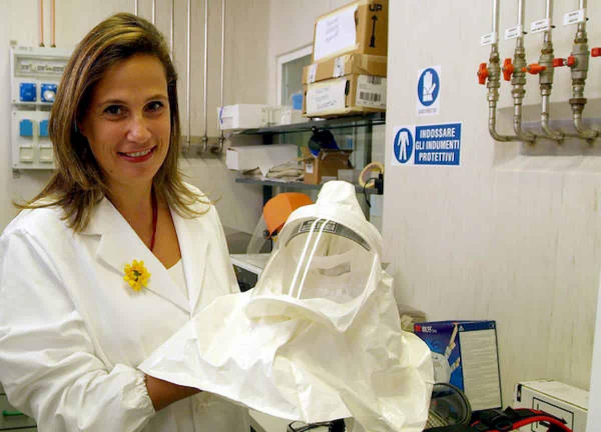 Coronavirus, ad Ilaria Capua scappa la verità in tv: E' tra noi, non sparirà