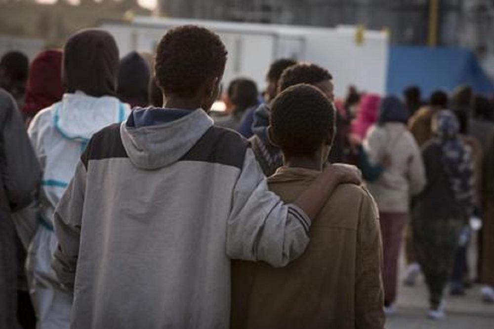 """Coronavirus, Galli: """"Immigrati non si ammalano? Hanno un fattore protettivo maggiore"""""""