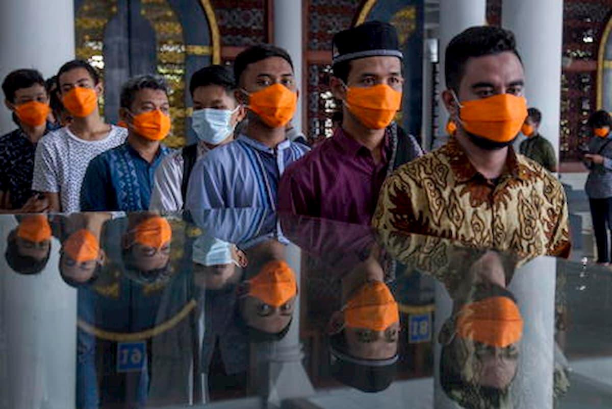 Coronavirus, in India lockdown di 14 ore. Forse per prepararne uno totale