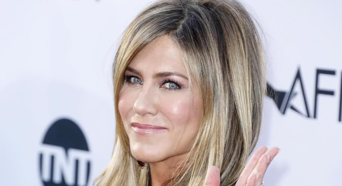 Fedez ha una nuova follower: Jennifer Aniston