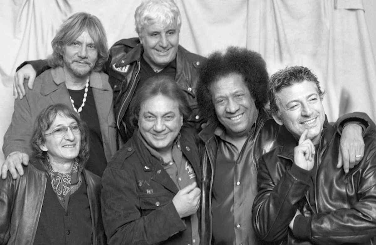 Joe Amoruso è morto: addio al tastierista della band di Pino Daniele