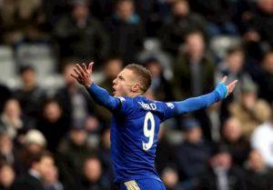 Coronavirus, positivi tre calciatori del Leicester: Premier League verso stop