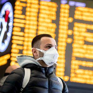 Coronavirus, l'autocertificazione per spostarsi dalla zona di sicurezza. Come funziona, cosa si rischia