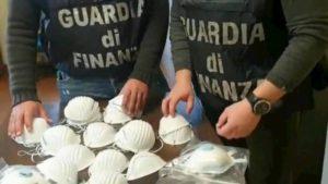 Coronavirus, mascherine vendute a prezzi gonfiati anche del 6150%. Sequestri in tutta Italia