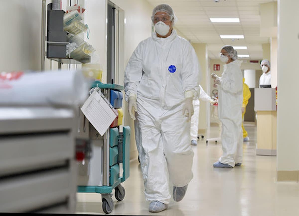 Coronavirus, morti due medici a Como: erano in pensione ma operativi per l'emergenza