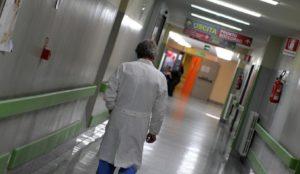 Putignano (Bari): medico cardiopatico schiaffeggiato nel pronto soccorso, ha un malore