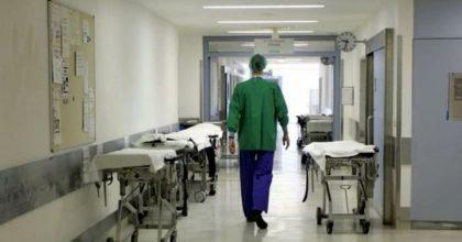 Emilia Romagna: i medici positivi ma asintomatici richiamati al lavoro. Ma non sono contagiosi?