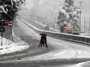 Meteo, è tornato l'inverno: ciclone carico di pioggia, freddo e neve mette fine alla siccità