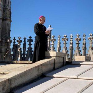 l'arcivescovo di Milano Maro Delpini