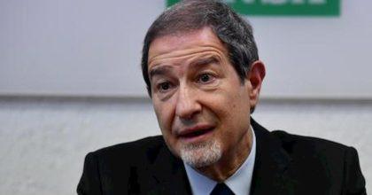 """Coronavirus, Musumeci dopo l'assalto ai traghetti: """"Stop ingressi in Sicilia"""""""
