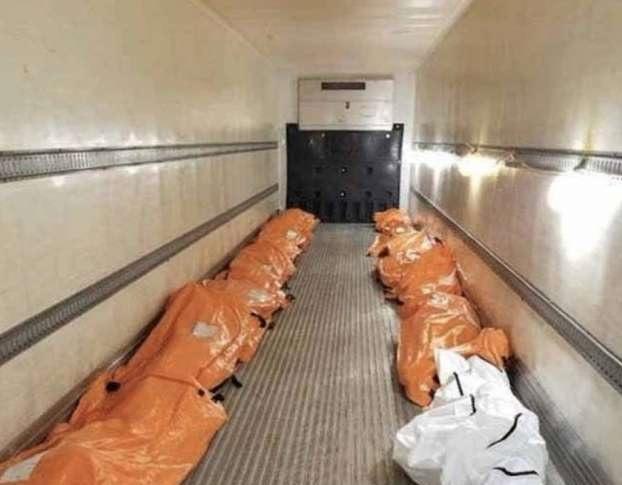 Coronavirus, a New York i cadaveri portati via su camion frigo VIDEO