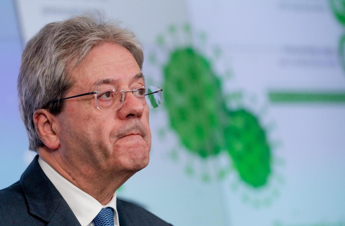 Coronavirus Paolo Gentiloni in isolamento: membro staff positivo