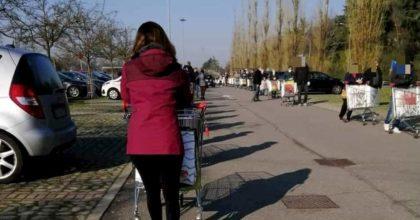 pioltello fila supermercato