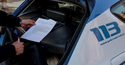 """Coronavirus, fermato da Polizia mostra autocertificazione per """"acquistare droga"""": 33enne fiorentino denunciato"""