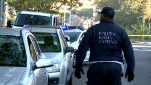 """Coronavirus, a Roma positivo un agente di polizia locale. I sindacati: """"Senza mascherine stop a servizi esterni"""""""