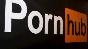 P*rnHub produce il primo film non a luci rosse: sarà documentario su strip club